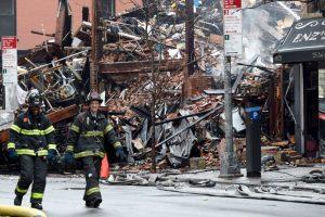 El fuego alcanza 4 edificios. Foto:AFP. Imagen Por: