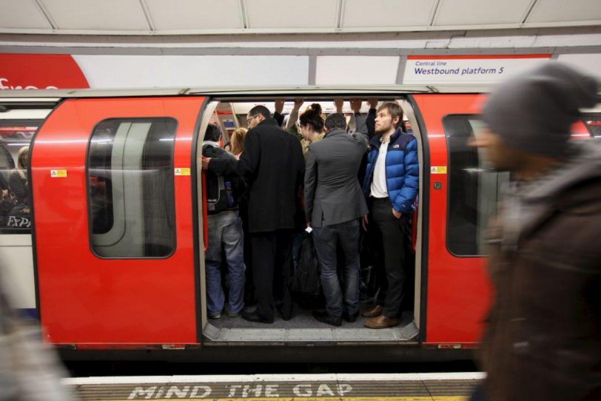 """""""Prepárate para ser sorprendido"""", era lo que leían dichos anuncios. Foto:Getty Images. Imagen Por:"""
