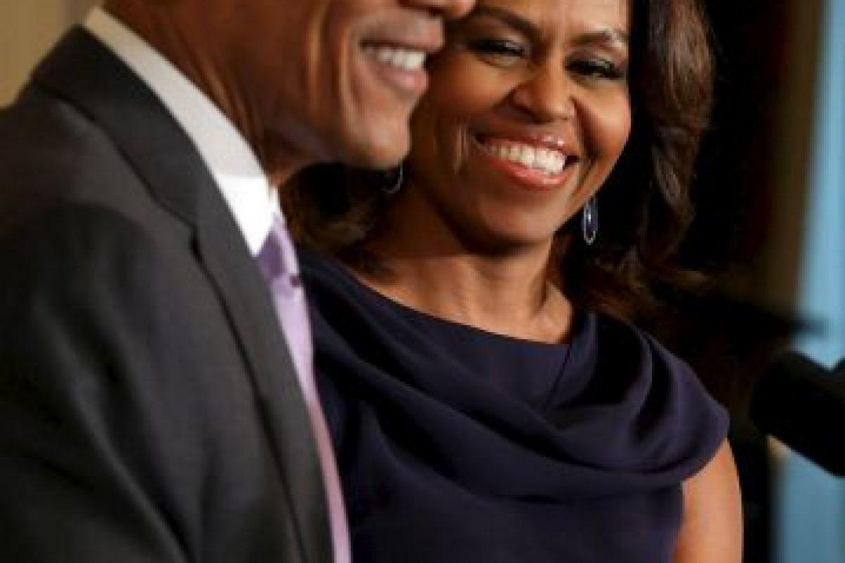 """La desaprobación hacia las Kardashian subió cuando se supo que al presidente de Estados Unidos no le gustaba nada que sus hijas vieran su reality. La primera dama dijo: """"Barack realmente piensa que algunas de las cosas que hacen las Kardashians, cuando [las niñas] lo ven… no le gusta deamasiado."""" Foto:Getty Images. Imagen Por:"""