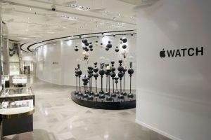 Las tiendas se preparan para la venta del Apple Watch. Foto:Getty Images. Imagen Por: