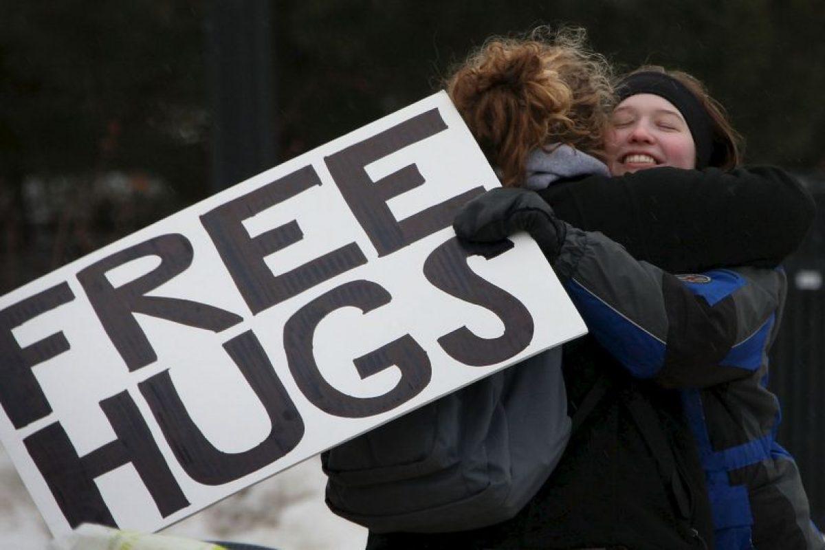 Pero los abrazos son una de las mejores formas de cariño y aprecio del hombre. Foto:Getty. Imagen Por: