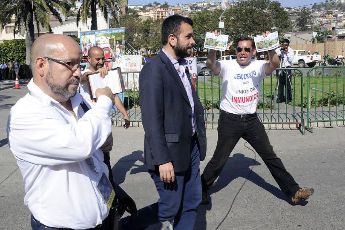 Rolando Jiménez activista del Movih, presentó una querella contra el Pasto Javier Jiménez, por los constantes acosos homofóbicos en espacios públicos y privados de Santiago y Valparaíso. Foto:Agencia UNO. Imagen Por: