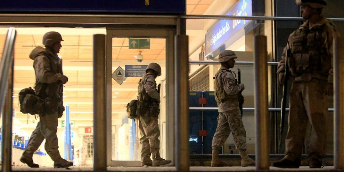 Militares resguardaron supermercados para evitar saqueos en Copiapó