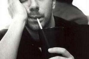 Algunos aseguraban que había muerto por una sobredosis de drogas Foto:IMDB. Imagen Por: