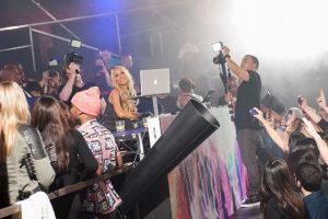 Confirman a Paris Hilton en el Summerfest Foto:Getty. Imagen Por: