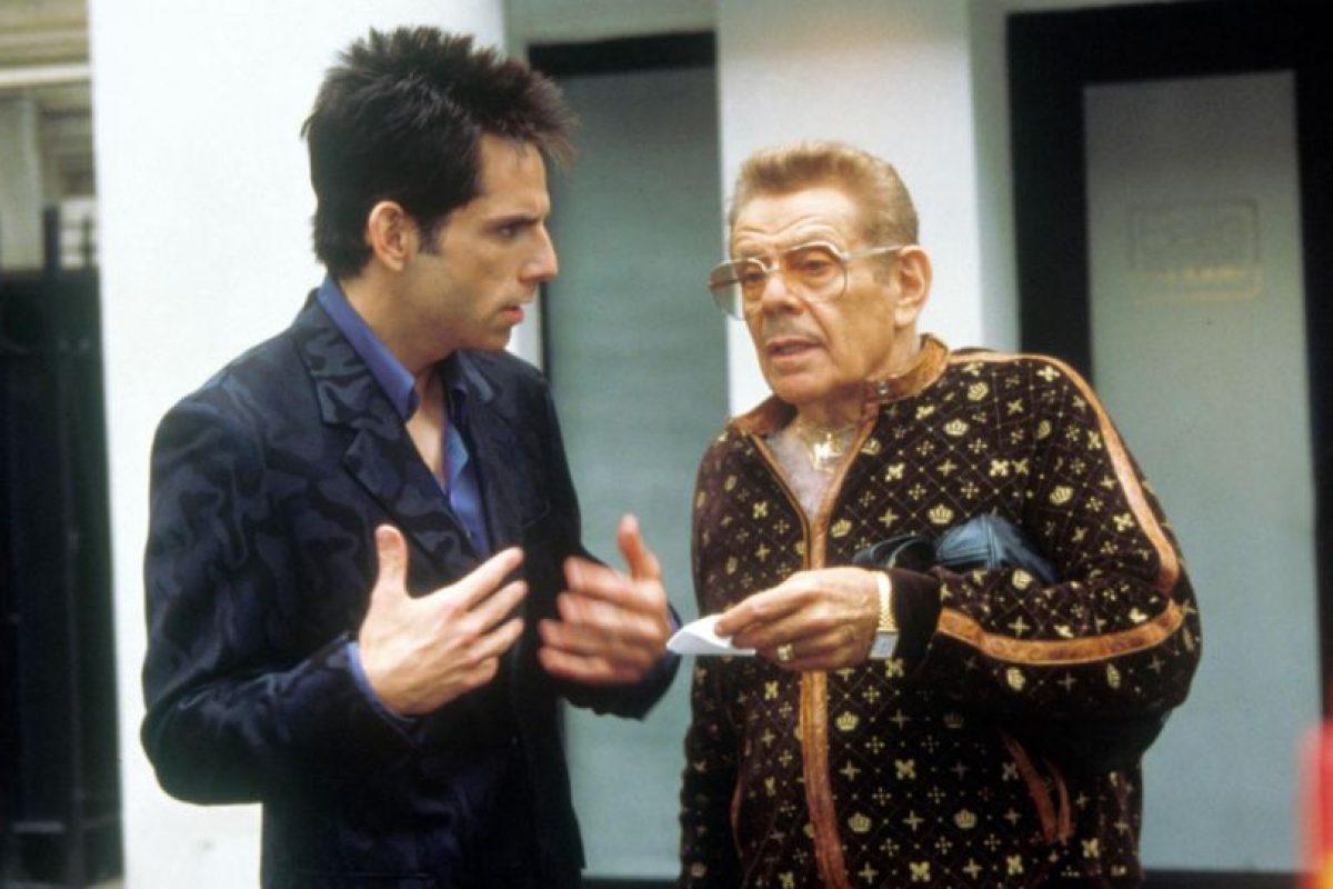 Jerry Stiller era Maury Ballstein, mánager de Derek. Foto:Paramount. Imagen Por: