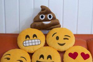 Los emojis pueden adaptarse a casi cualquier dispositivo físico o virtual. Foto:Google. Imagen Por: