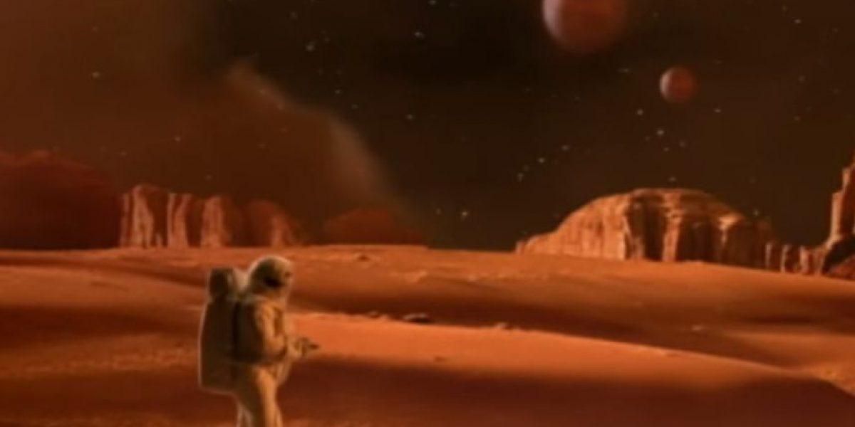"""FOTOS: ¿Qué sucedió con el guapo astronauta del video de """"Oops… I Did It Again""""?"""