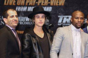 El cantante Justin Bieber y Floyd Mayweather tienen una profunda amistad desde hace varios años. Foto:Getty Images. Imagen Por: