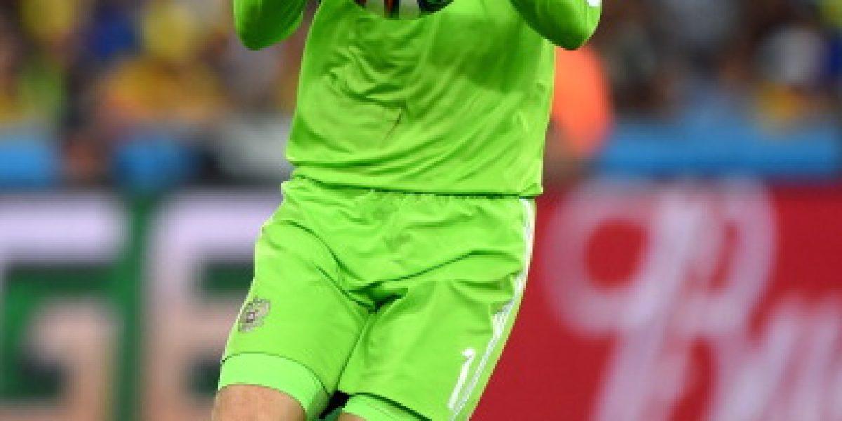 Suspenden partido rumbo a la Euro 2016 por agresión a portero ruso