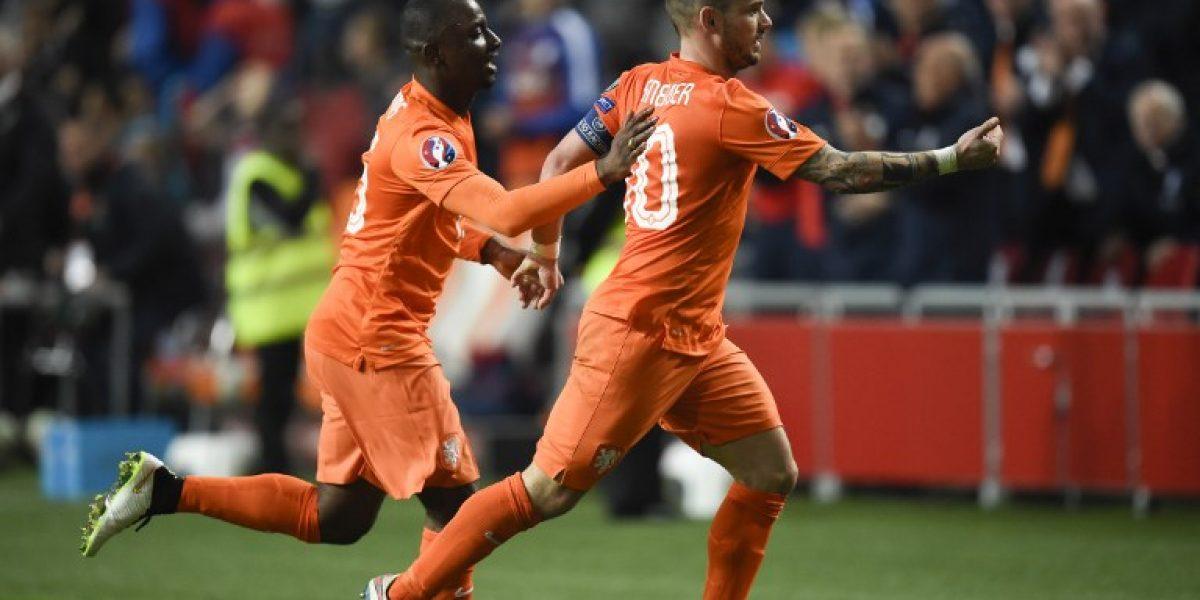 Holanda salvó un empate en las Clasificatorias a la Eurocopa con afortunado gol