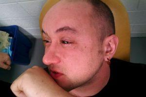 Gabriel Licina, científico de este proyecto, después de inyectarle la sustancia. Foto:scienceforthemasses.org. Imagen Por: