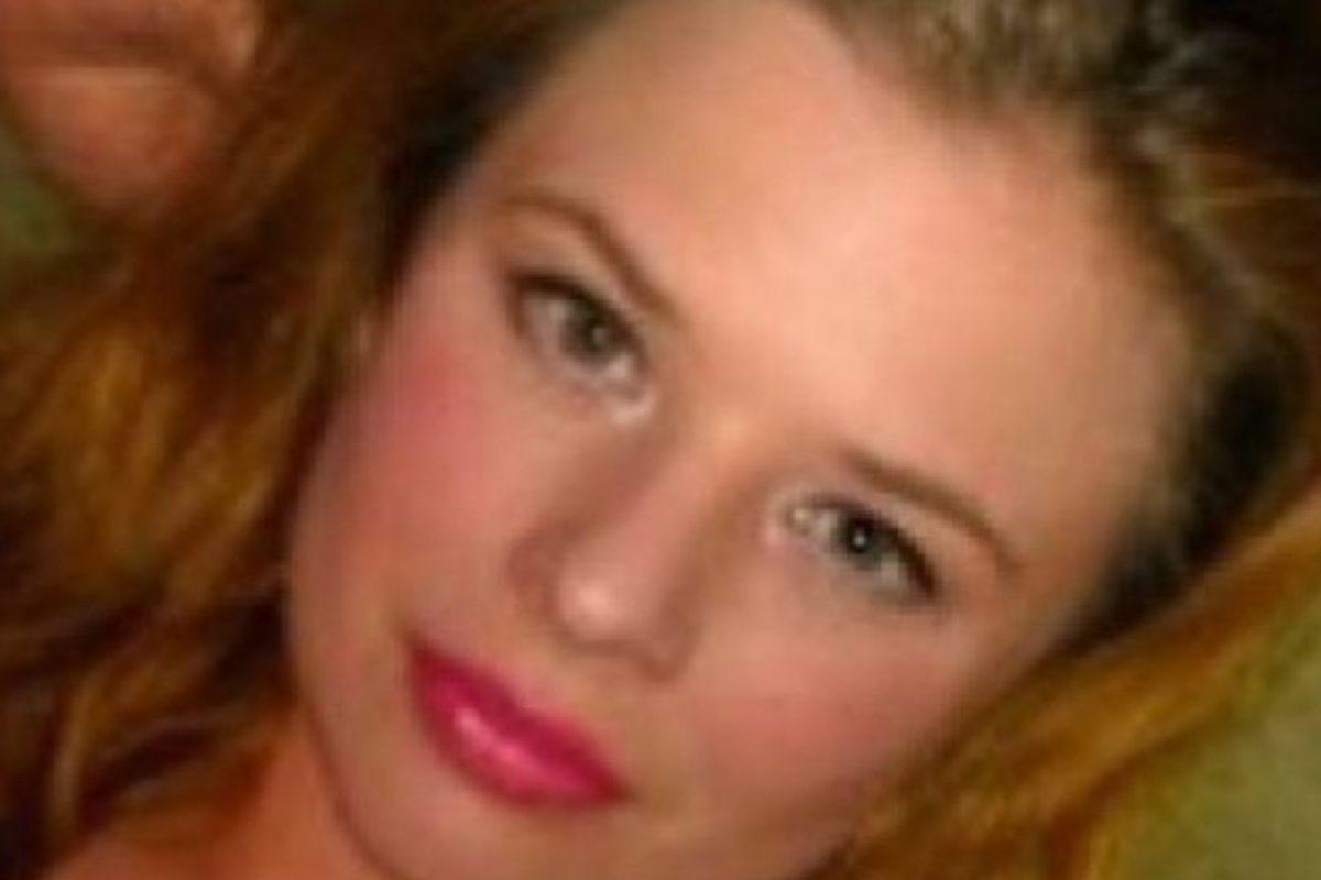 Rachelle Gendron se acostó con un estudiante de 14 años, le enviaba fotos desnuda. Foto:Facebook. Imagen Por: