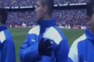 Así reaccionaron los salvadoreños cuando oyeron el himno de Kazajistán Foto:Youtube: Futbol a Tope. Imagen Por: