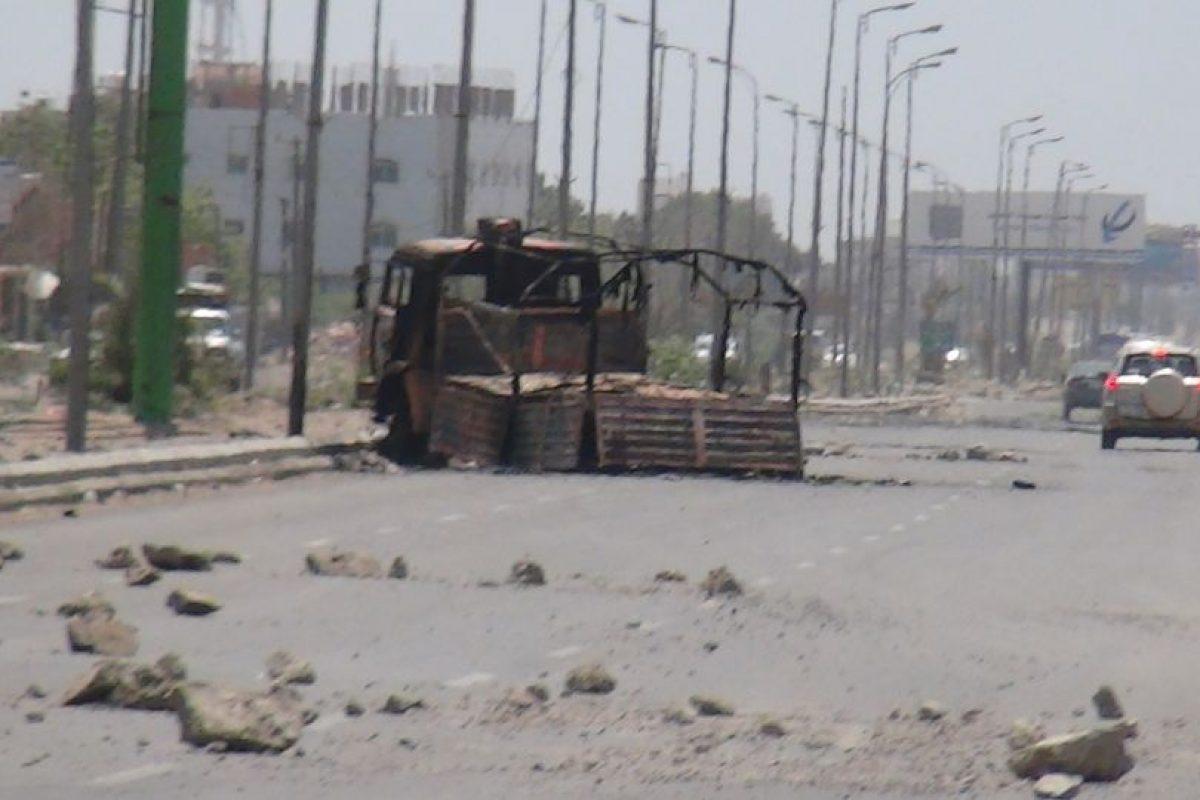 1. Decenas de familias han abandonado la ciudad tras los bombardeos. Foto:AFP. Imagen Por: