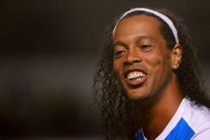 En septiembre de 2014, Ronaldinho fue presentado como el refuerzo estelar de Gallos Blancos de Querétaro, equipo que compite en la Liga MX. Foto:Getty Images. Imagen Por: