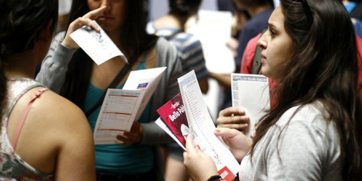Critican creación de un impuesto a titulados para financiar la gratuidad en la educación superior