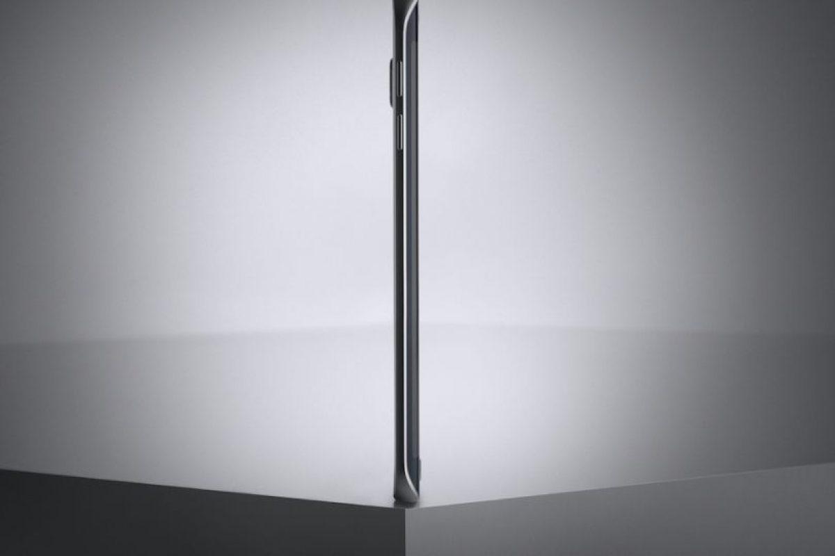 Sus dimensiones son 142.1 * 70.1 * 7 mm. Foto:Samsung. Imagen Por: