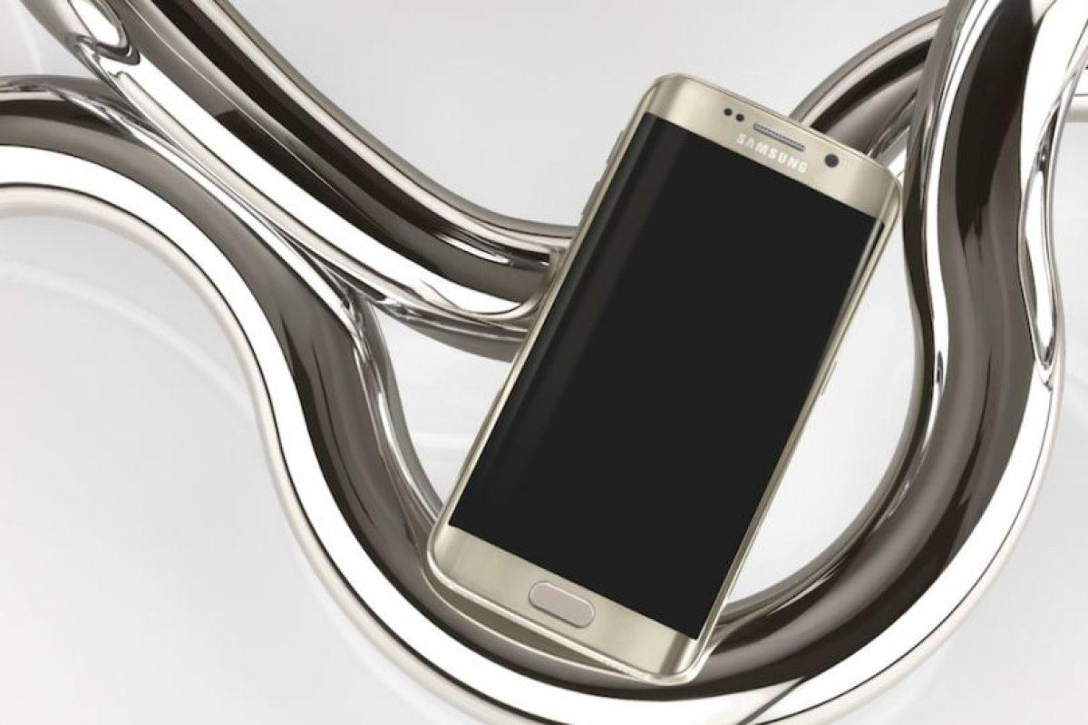 Cuenta con un sensor de huellas dactilares, conectividad Wi-Fi, Bluetooth, NFC y microUSB. Foto:Samsung. Imagen Por: