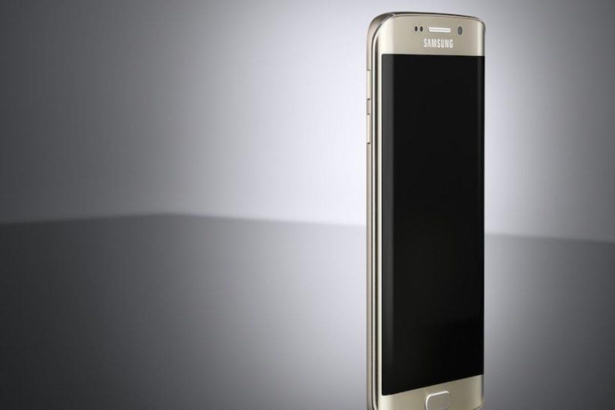 Cuenta con memoria interna de 32, 64 o 128GB y 3GB en RAM. Foto:Samsung. Imagen Por: