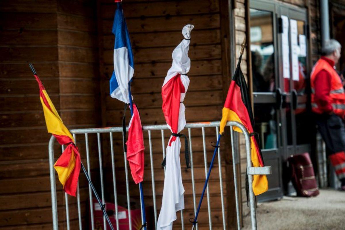 Países comparten el luto. Foto:AFP. Imagen Por: