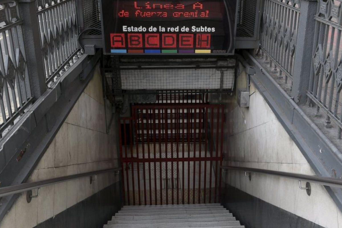 El anuncio indica que las instalaciones estarán cerradas hasta el término de la huelga. Foto:AFP. Imagen Por: