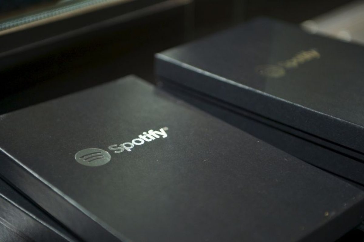 Mientras que Spotify lo reproduce a 320 kbps. Foto:Getty. Imagen Por: