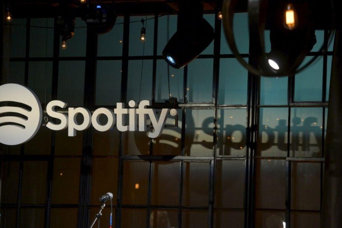 Spotify tienen un servicio gratuito y también uno pagado. Foto:Getty. Imagen Por: