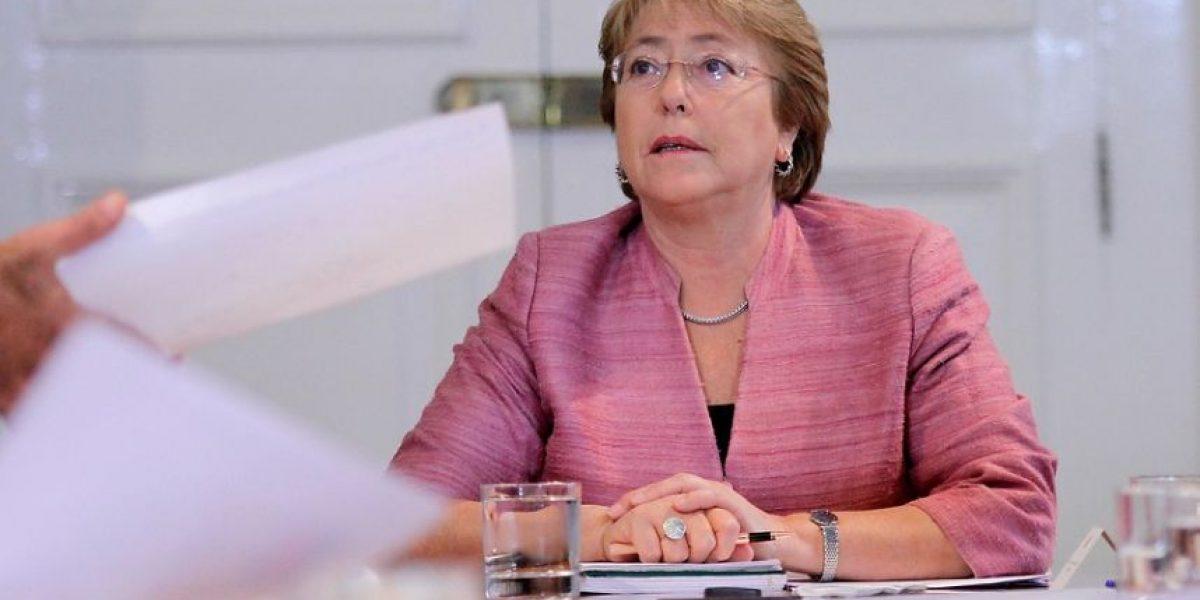 Estas personas en Chile ganan más que la Presidenta Bachelet