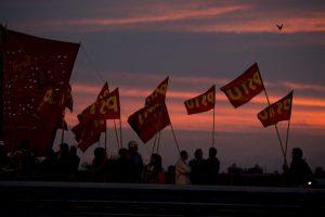 Sindicatos y opositores se unen para reclamar la inflación del impuesto a la renta. Foto:AP. Imagen Por: