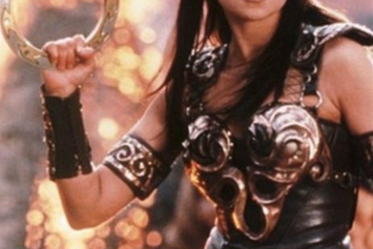 """En la serie, Xena es el nombre de una princesa guerrera de la antigua Grecia, sin embargo el sitio Complex explica que este personaje fue bautizada así porque la palabra """"Xena"""" deriva de """"extraño"""" Foto:IMDB. Imagen Por:"""