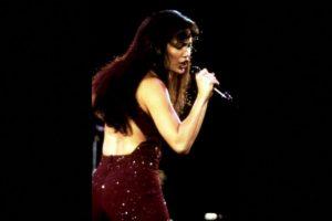 8.- Se necesitaron 35 mil extras para la escena del concierto de Selena en el estadio Houston Astrodome. Foto:Warner Bros. Imagen Por: