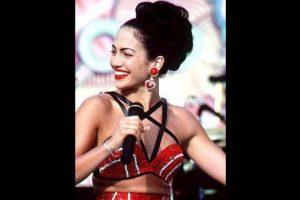 """17.- """"Como la flor"""", son las únicas palabras que cantó López en el filme. Foto:Warner Bros. Imagen Por:"""