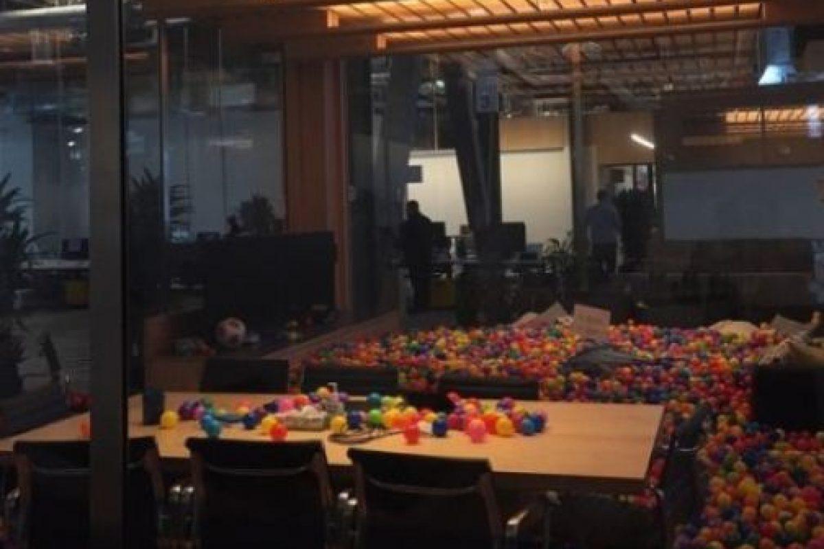 La iluminación para cuando el CEO de Facebook se deba quedar hasta tarde. Foto:instagram.com/wei.jien. Imagen Por: