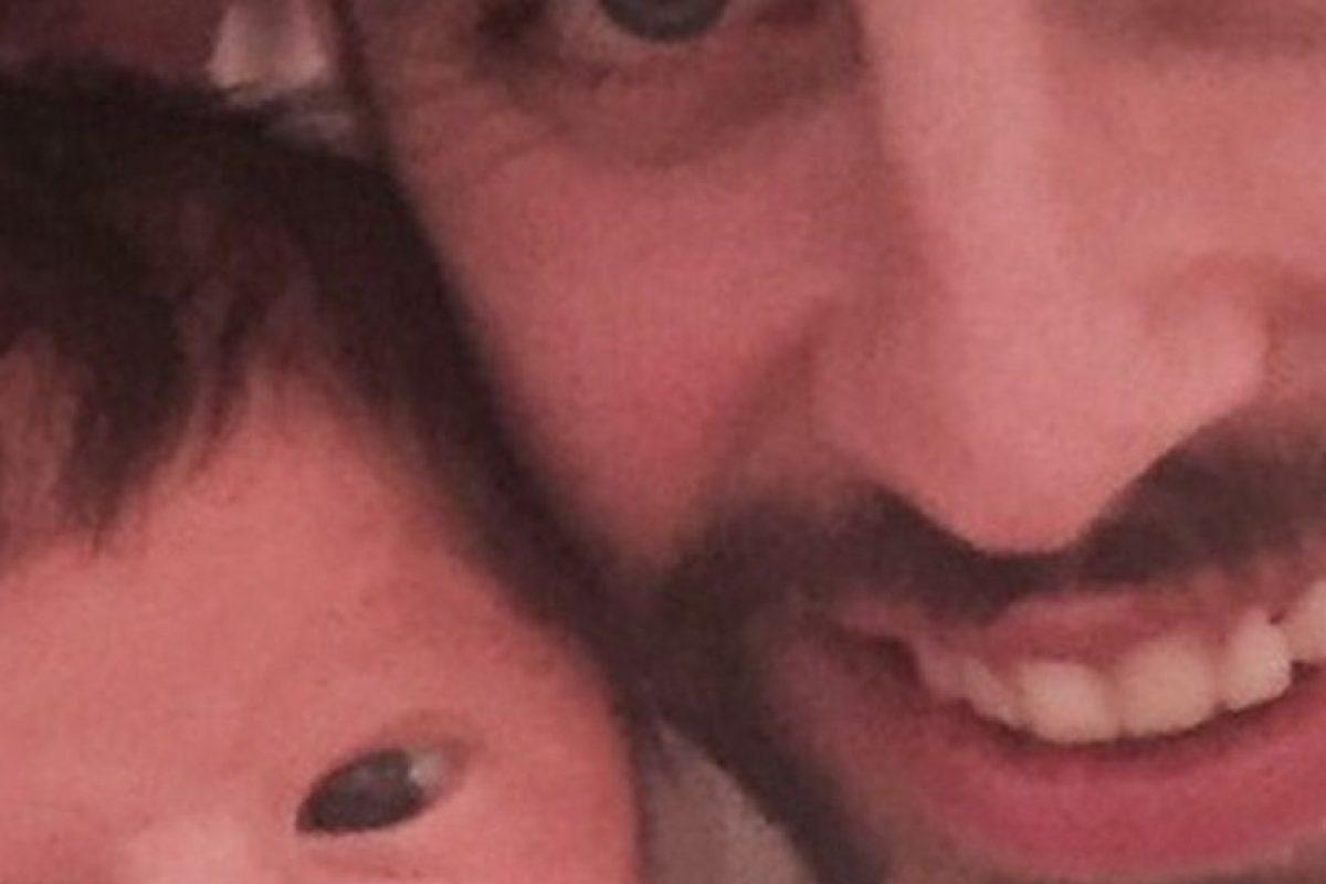 Sasha junto a su orgulloso padre Foto:Instagram Gerard Piqué. Imagen Por:
