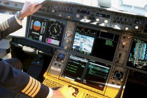 Se escucharon golpes metálicos que dejan pensar que el piloto intentó abrir la puerta de la cabina. Foto:Getty. Imagen Por: