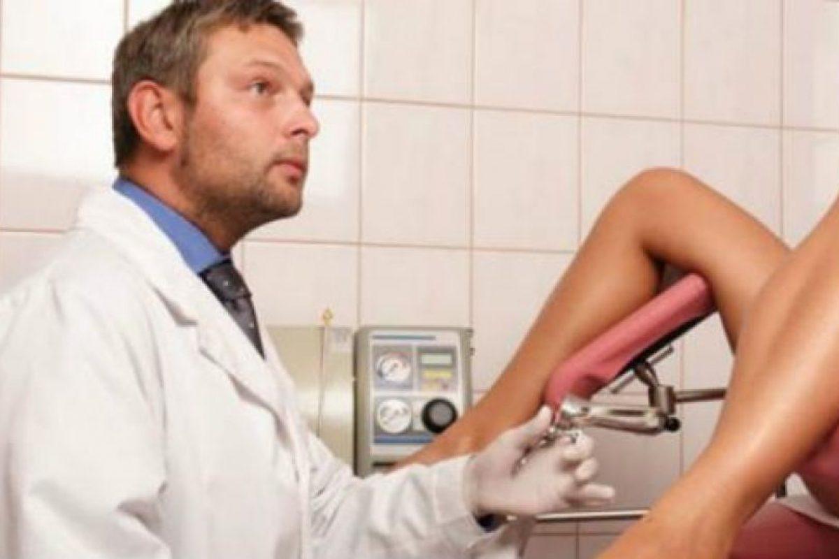 Фото девушка на приёме у гениколога, Голые девушки у врача на приеме - фото голых у врача 10 фотография