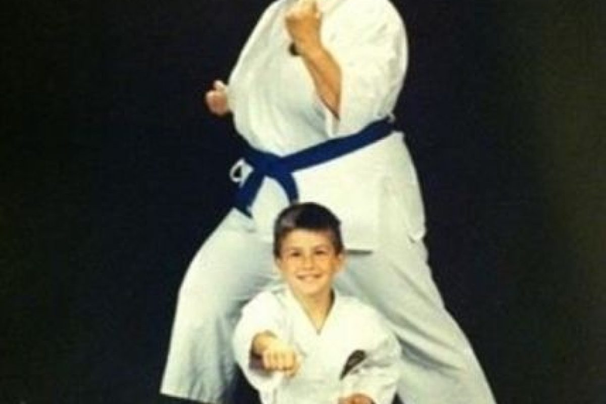 Karate Kid. Foto:Awkward Family Photos. Imagen Por: