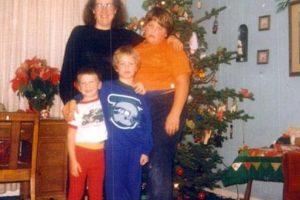 Pobre niño. Foto:Awkward Family Photos. Imagen Por:
