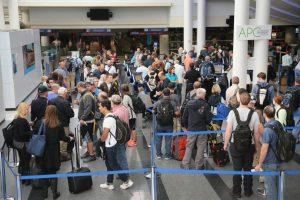 3. Un total de 6.7 millones de expatriados deben llevar cada año un formulario para declarar sus impuestos mientras viven en el extranjero. Foto:Getty Images. Imagen Por: