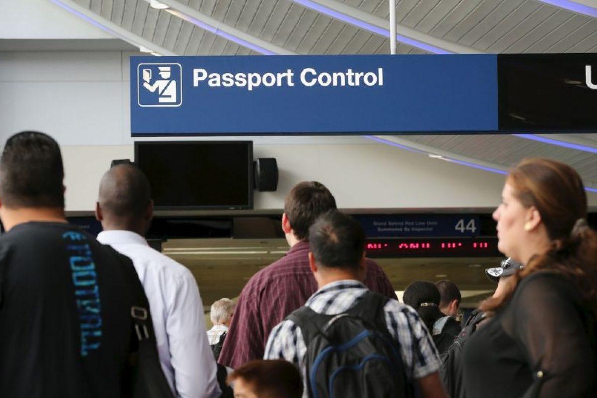 4. Algunos estadounidenses también deben pagar un impuesto de salida cuando completan el trámite. Foto:Getty Images. Imagen Por: