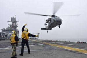 Reportan como desaparecido un helicóptero estadounidense en Nepal, que apoyaba a los afectados del último terremoto. Foto:Getty Images. Imagen Por: