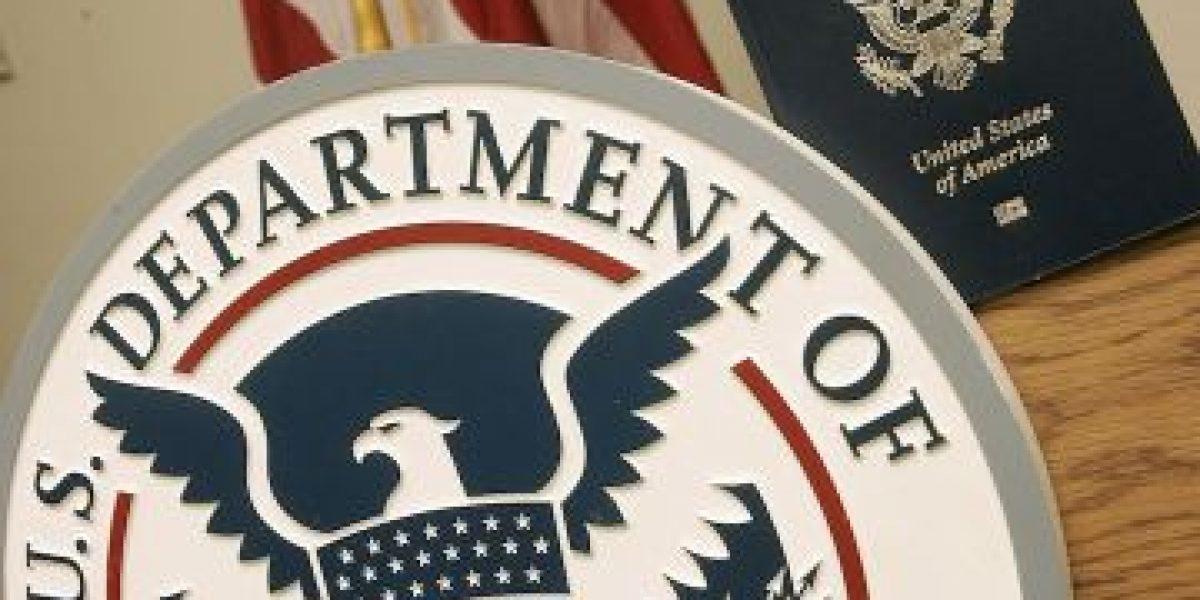 Récord de estadounidenses que renunciaron a su pasaporte este año