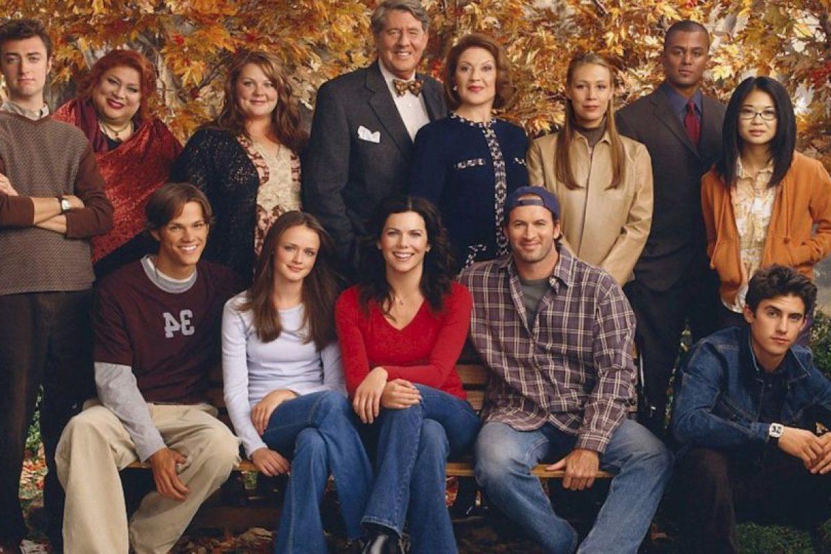 """¿Se acuerdan de """"Gilmore Girls""""? Esta serie retrataba la vida amorosa de """"Lorelai Gilmore"""", interpretada por Lauren Graham, y su hija """"Rory"""", interpretada por Alexis Bledel. Duró de 2000 hasta 2007. Foto:vía The CW. Imagen Por:"""