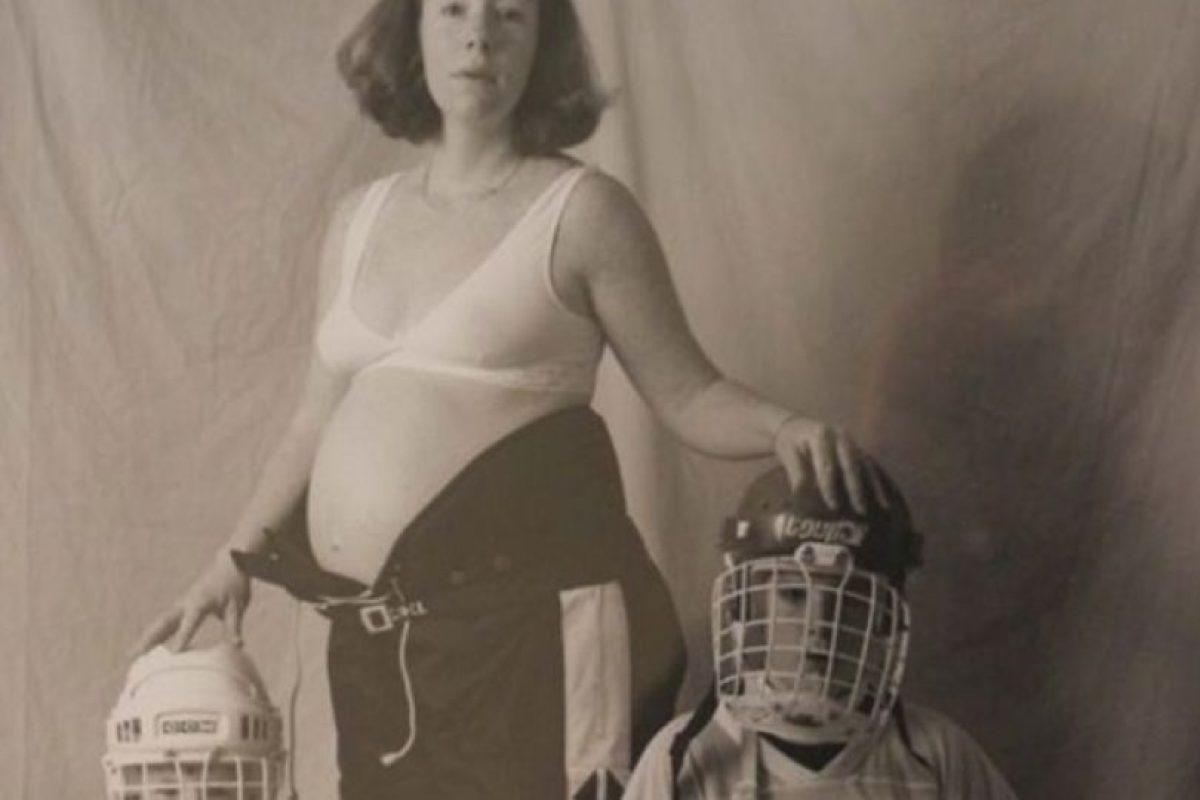 ¿Qué se supone que son? ¿Los guardaespaldas Tortuga Ninja de su hermano? Foto:Awkward Family Photos. Imagen Por: