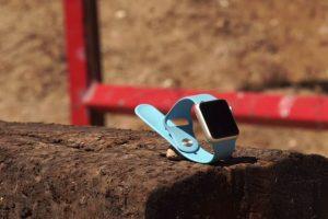 El reloj inteligente de Apple tiene un costo inicial de 349 dólares. Foto:FullMag. Imagen Por: