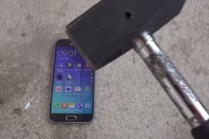 El dispositivo contra un martillo. Foto:adrianisen. Imagen Por: