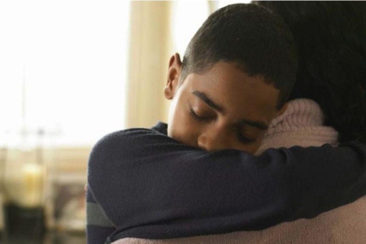 Chloe Inman, de 16 años, sufrió pérdida total de la memoria durante dos años, debido a los efectos secundarios de una punción lumbar. Un dia en casa, su hermano Caleb, de seis años, entró a su habitación y le dio un abrazo. En ese momento todos los recuerdos llegaron de nuevo a su cabeza. Foto:Tumblr.com/Tagged-abrazo. Imagen Por: