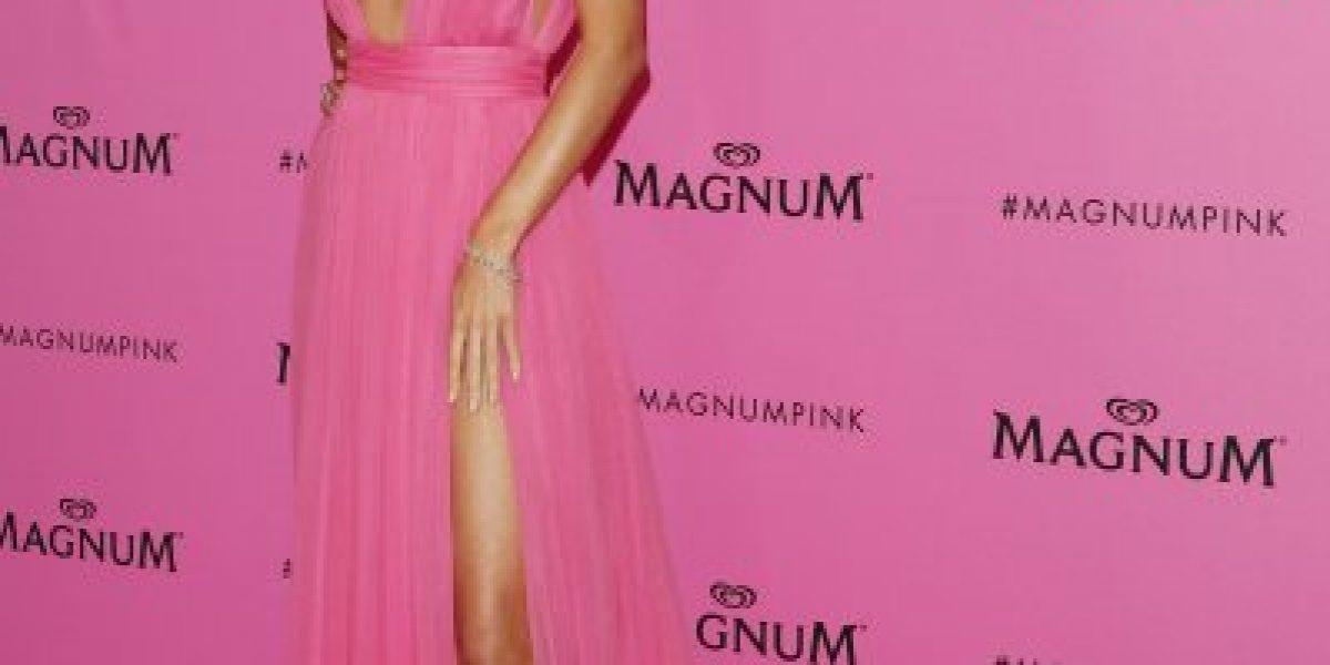 No creerás el escote de Miranda Kerr en fiesta de Cannes