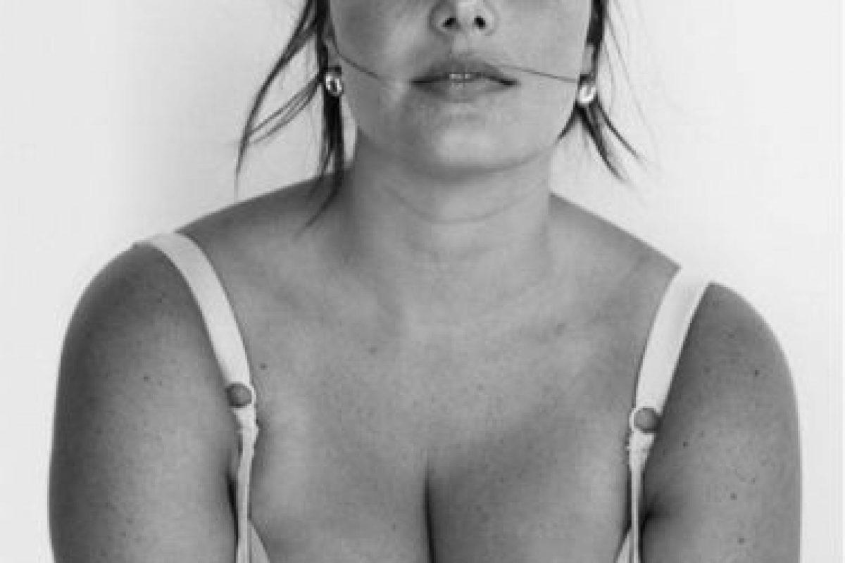 """Las mujeres """"plus size"""" en ropa interior no desafían estándares. Muestran que se puede ser bella en cualquier talla y con cualquier forma del cuerpo. Modelos y blogueras ya han dejado atrás los temores y han inspirado a otras a mostrar su cuerpo y no disimular sus singularidades. ¿Qué más poderoso que una mujer segura de sí misma en el juego de miradas? Foto:vía Lane Bryant. Imagen Por:"""